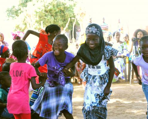 Girls dancing Keur Simbara
